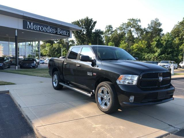 Pre-Owned 2016 Ram 1500 4WD Crew Cab 140.5 Express
