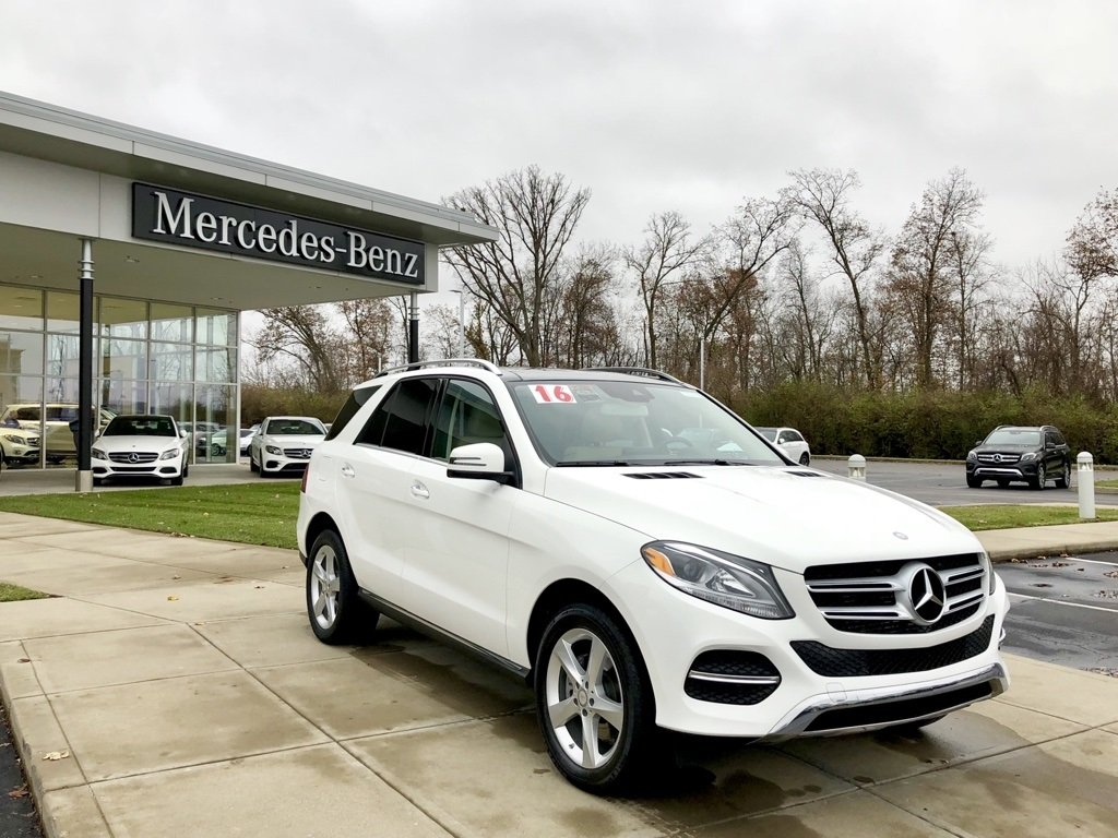 Certified Pre-Owned 2016 Mercedes-Benz GLE 300d 4MATIC® SUV