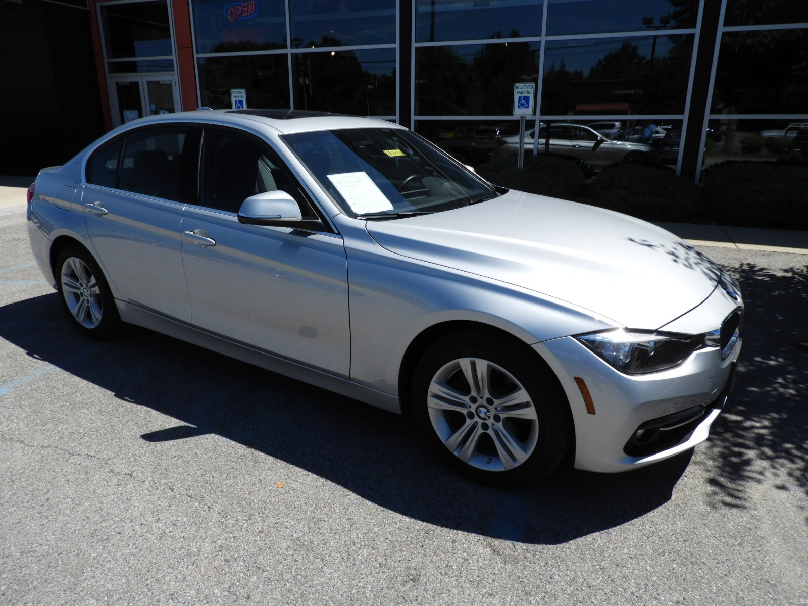 Stock UA Pre Owned 2017 BMW 3 Series 330i xDrive in West Chester