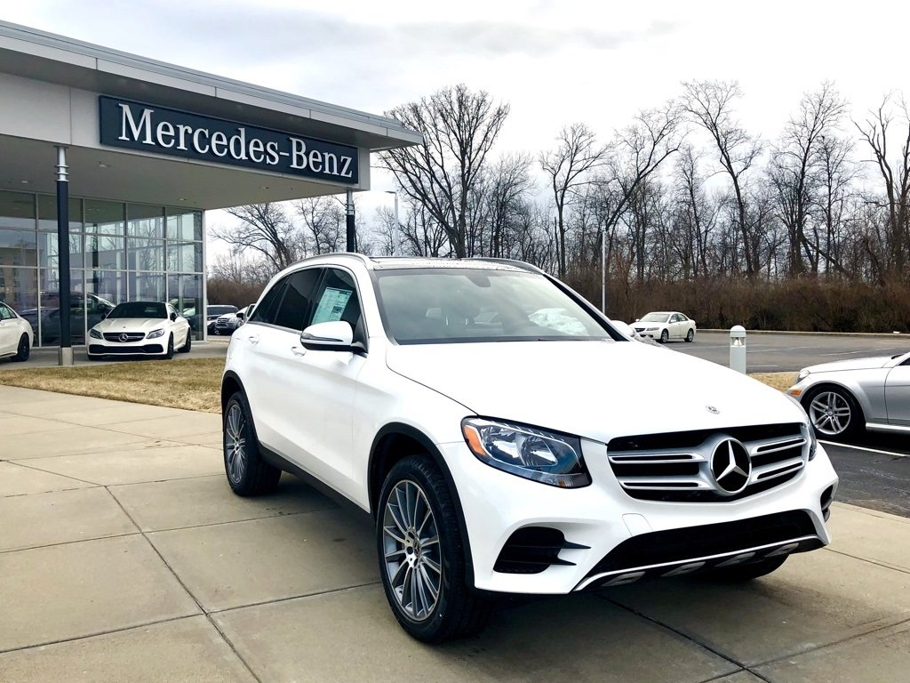 Stock w17218 new 2018 mercedes benz glc glc 300 4matic for Mercedes benz westchester