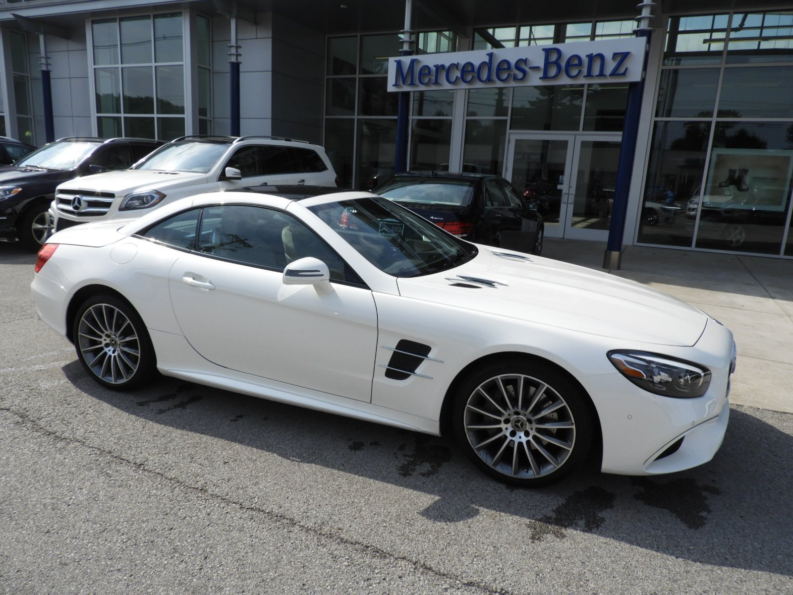 Pre Owned 2018 Mercedes Benz SL SL 550 Roadster