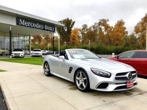Pre-Owned 2017 Mercedes-Benz SL 550 Convertible